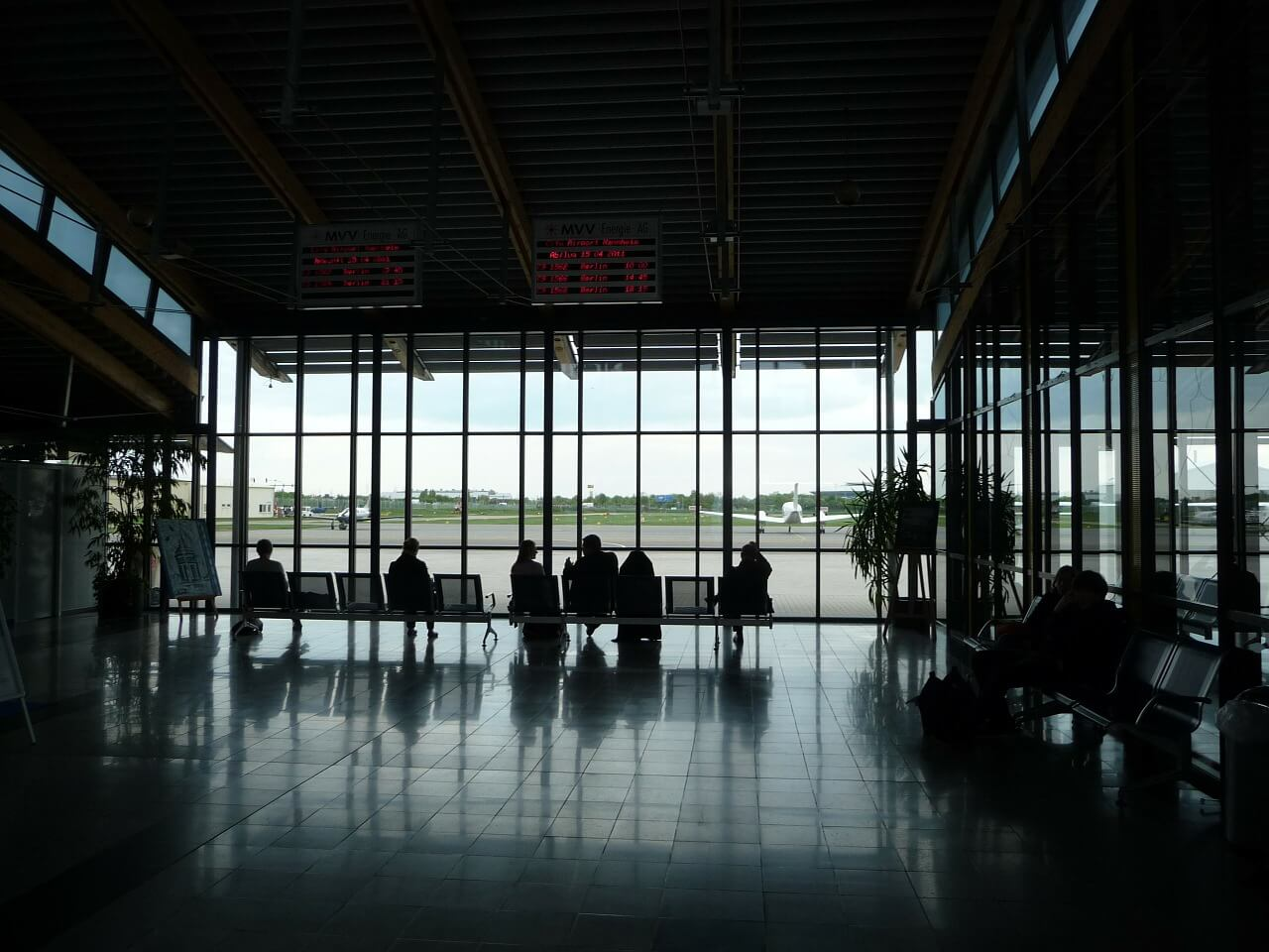 空港ラウンジが無料の法人カード11選【出発前の優雅なひと時】