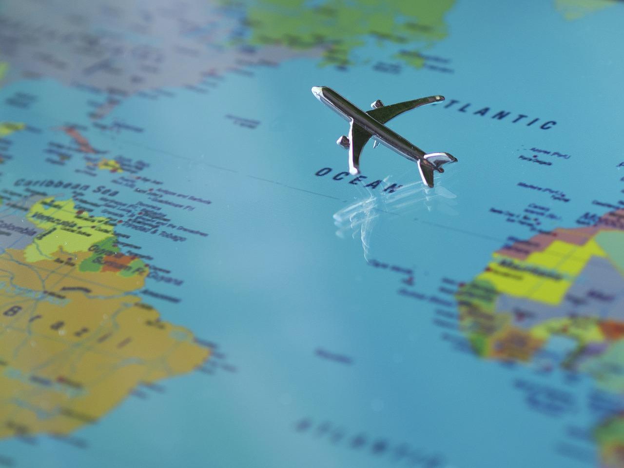 【海外旅行保険が付帯の法人カードはこちら】海外での感染症や交通事故にも手厚いサポート!